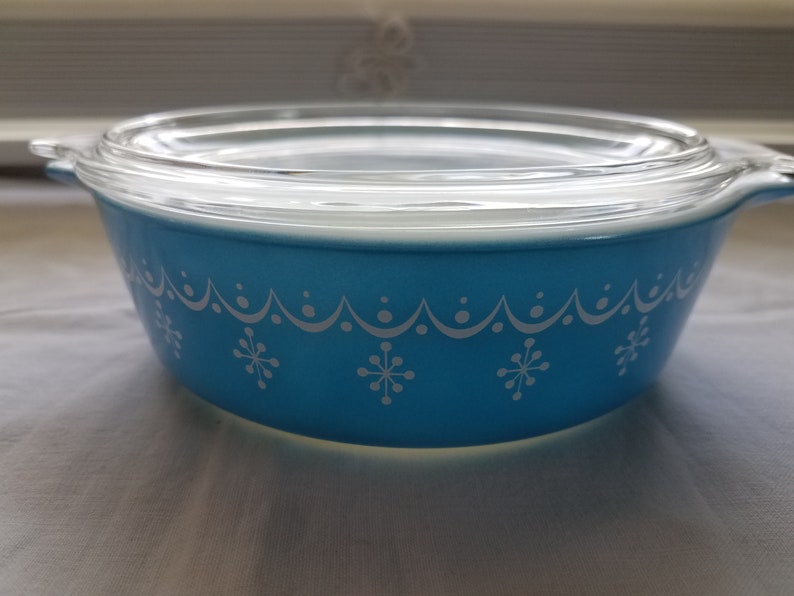 vendita scontata d54f3 6905c Pyrex blue 1 pt bowl with lid 471 ovenware vintage glass bakeware  collectible snowflake garland