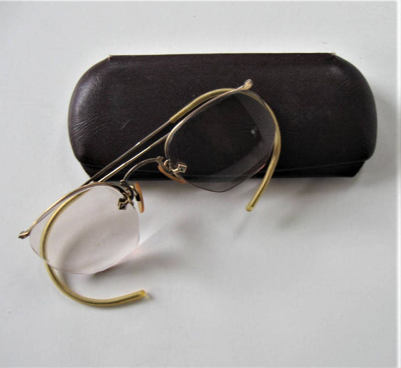 a4d0b997ac12 Vintage bifocal eyeglasses original metal eyeglass case