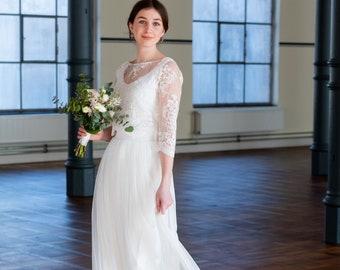 Floor-length, cream-white bridal skirt with fine tulle - Wanda