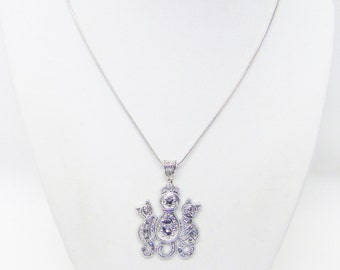 Decorative Silver Plated Cat w/Kittens Pendant Necklace