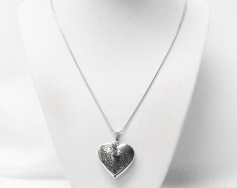 Classic Silver Plated Victorian Heart Locket Pendant Necklace