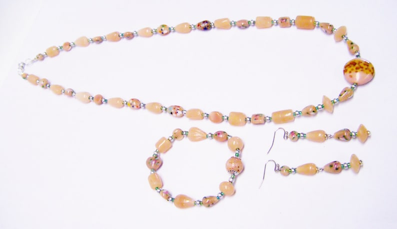 Mixed Peach wSpatter Glass Bead NecklaceBraceletEarrings Set