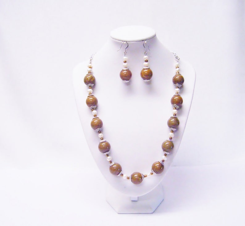 16mm Round Mustard Luster Acrylic wFreshwater Pearl NecklaceEarrings Set
