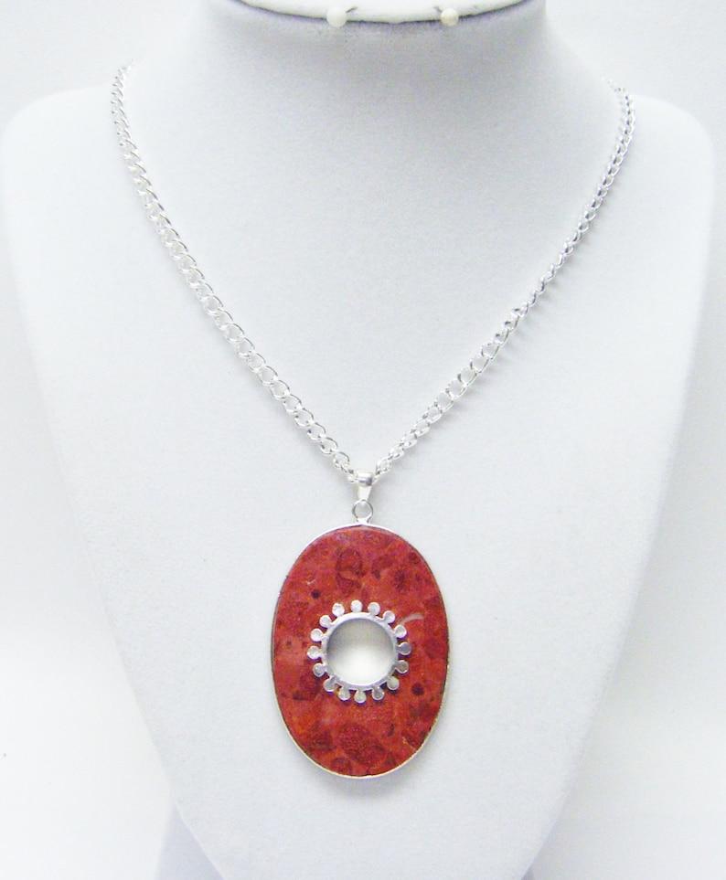 Oval Semi-Precious Coral Stone wHole Pendant Necklac