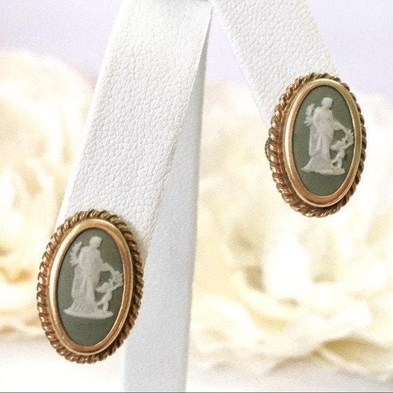 Vintage Wedgwood Jasperware Earrings Venus Cupid 1