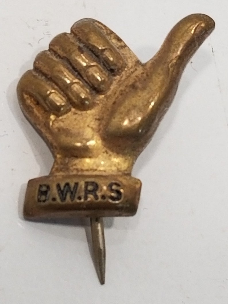 H5j502c1 Vintage Collectible /'Thumbs Up/' Lapel Pin BWRS British War Relief Society 1940/'s