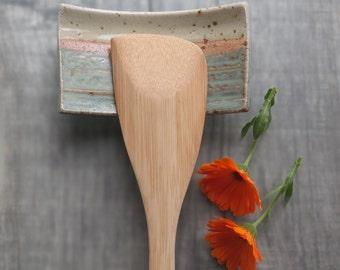 Spoon rest ceramic dish utility spoon rest cream green rustic stoneware small sushi plate kitchen accessory soap dish