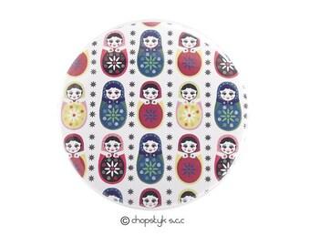 3 inch magnet:  Nesting Dolls