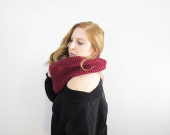 simple cowl scarf. red circle scarf. womens accessories. winter scarf for her. crochet scarf. handmade scarf. red neck warmer. fashion scarf
