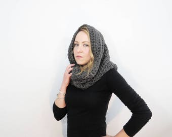 chunky hood scarf. gray scarf. clothing gift.  crochet cowl scarf. gray cowl. chunky scarf. circle scarf. infinity scarf. womens scarf.