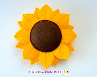 Felt SUNFLOWER, stuffed felt Sunflower ornament, Sunflower toy, Nursery decor, Sunflower magnet, cute toy, Sunflower ornament