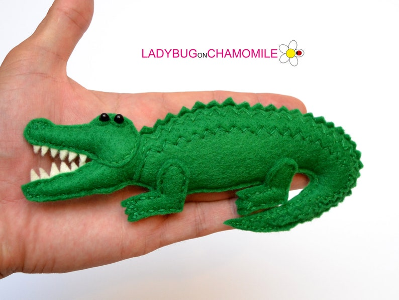 Brooch. Keychain Felt SALTWATER CROCODILE Magnet stuffed felt crocodile Ornament Toy