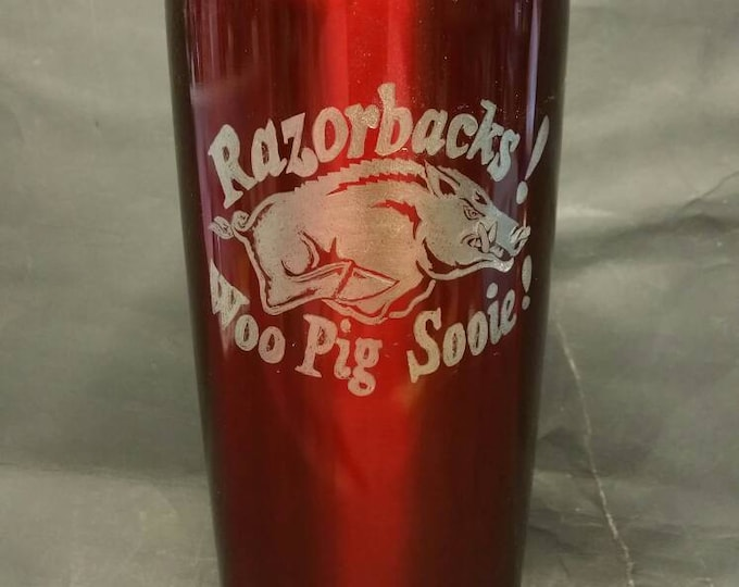 Hand Engraved Razorback image on 20 oz metal tumbler w slide close lid