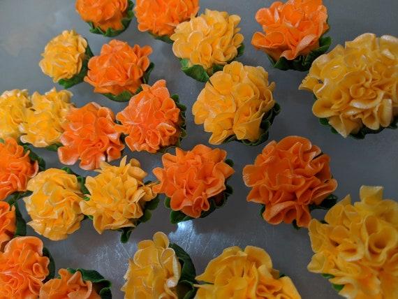ORANGE GUMPASTE 12 Medium Blossoms   Cake Topper and Cupcake Decorations
