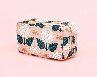 Pink Floral Dopp Kit, Flower Pattern Travel Pouch, Makeup Organizer, Wedding Flavors, Floral Beauty Bag