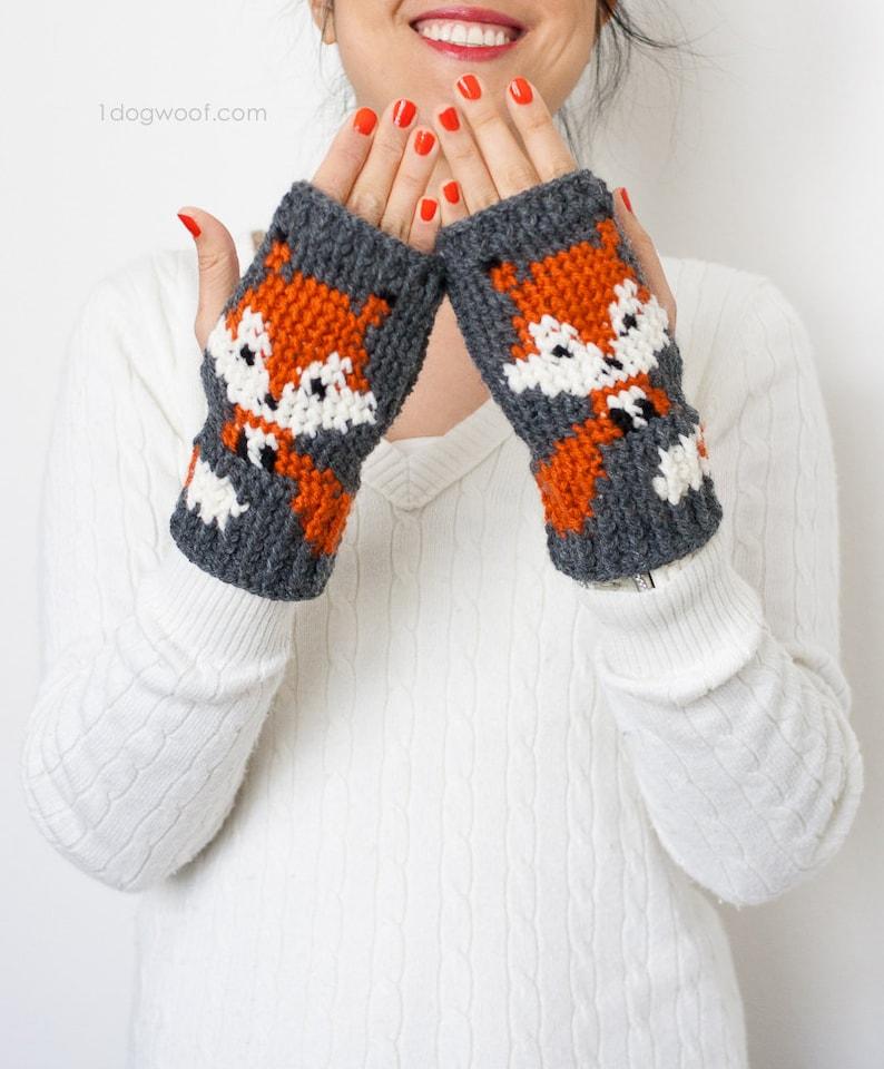 Fox Handwarmer/Fingerless Gloves Crochet Pattern image 0