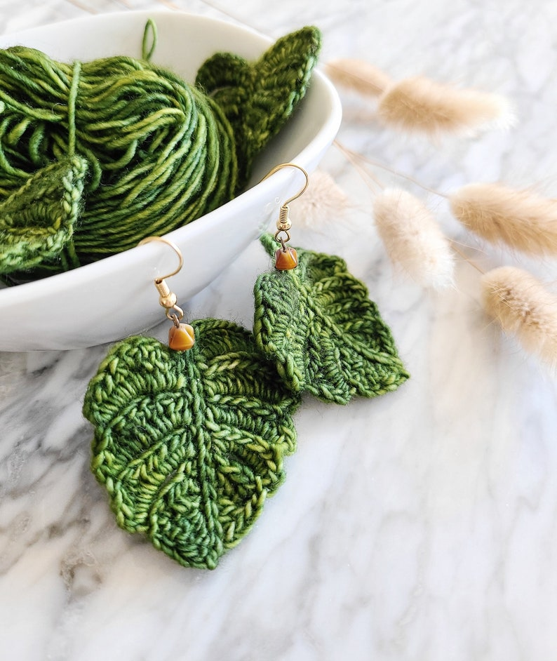 CROCHET PATTERN: Flirty Foliage Monstera Leaf image 0