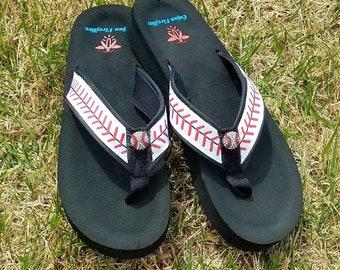 30498e8ef1e6 Baseball Stitch Flip Flops Sandals -Sizes Small 4 5