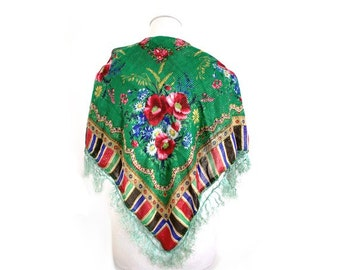 vtg BOHEMIAN SHAWL  green fringe  with roses