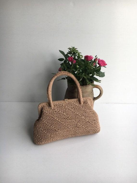 1960s crochet handbag / vintage beige crochet purs