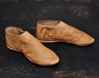 7ef081d233566 Medieval shoes | Etsy
