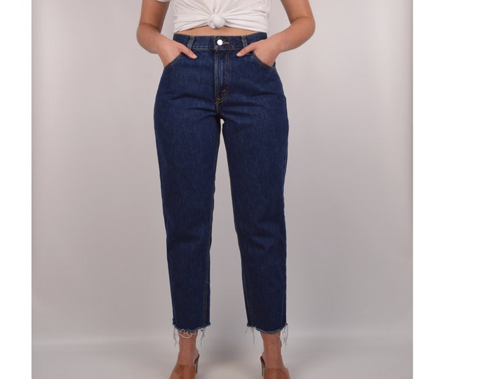 """Vintage LEVI'S 550 Tapered / 30""""W High Waist Cut Off Jeans"""