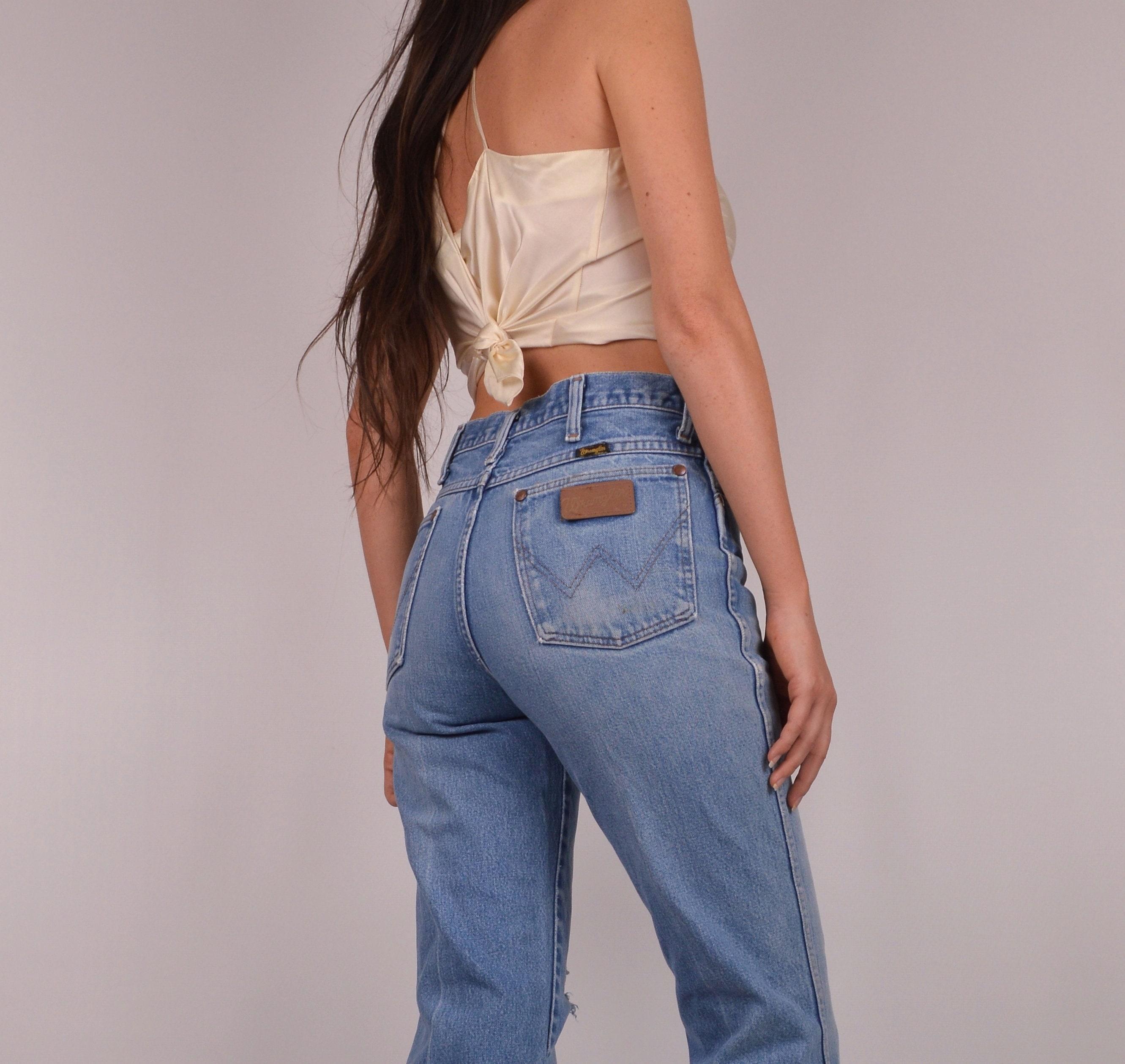 d582e6f5 Vintage Wrangler Jeans / Sz 2 to 4