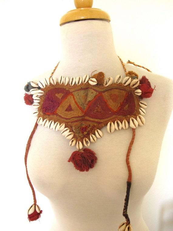 Vintage Embroidered Bib / Indian vintage Yoke / Ra