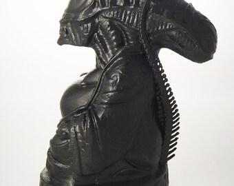 Alien Xenomorph Buddha (Carbon Mist)