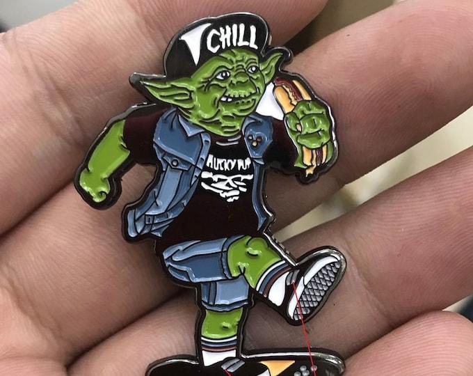 Yoda Skater - Enamel Pin.
