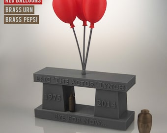 "Howard Stern - Eric ""The Actor"" Lynch - Memorial Sculpture"
