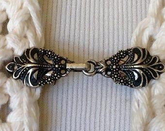 Fabulici Silver Tone Metal Celtic Swirl Sweater Clip Clasp