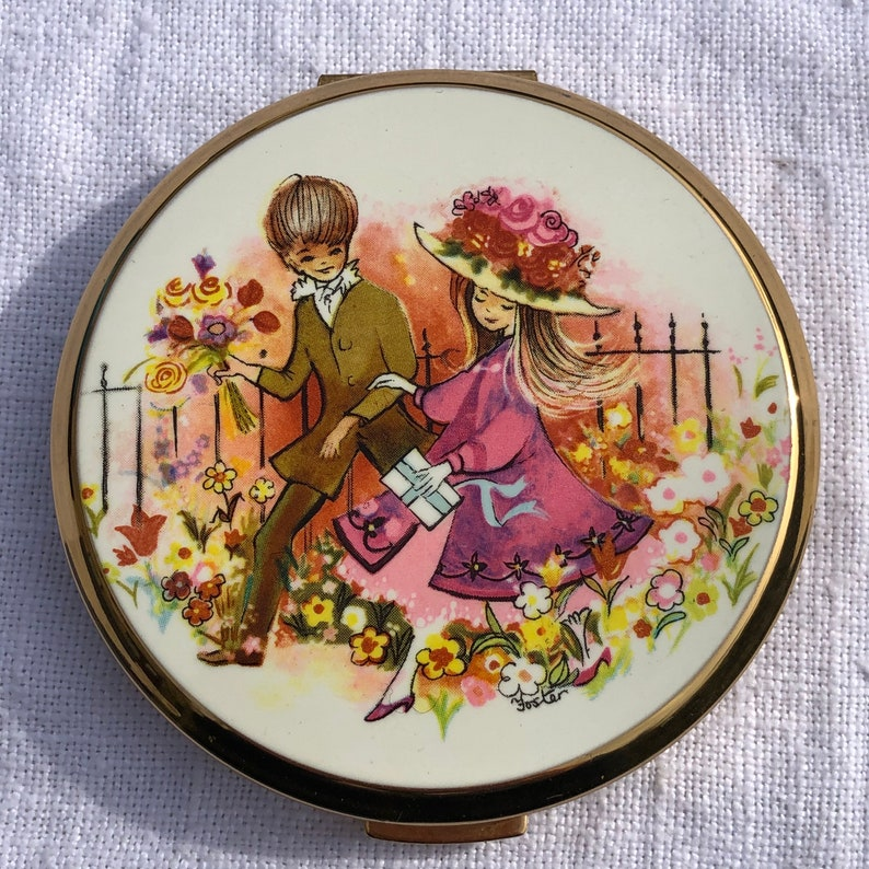 Rare and Beautiful Vintage Stratton Powder Compact Mirror with Cute Boy Girl Design Great Birthday or Bridesmaid Gift