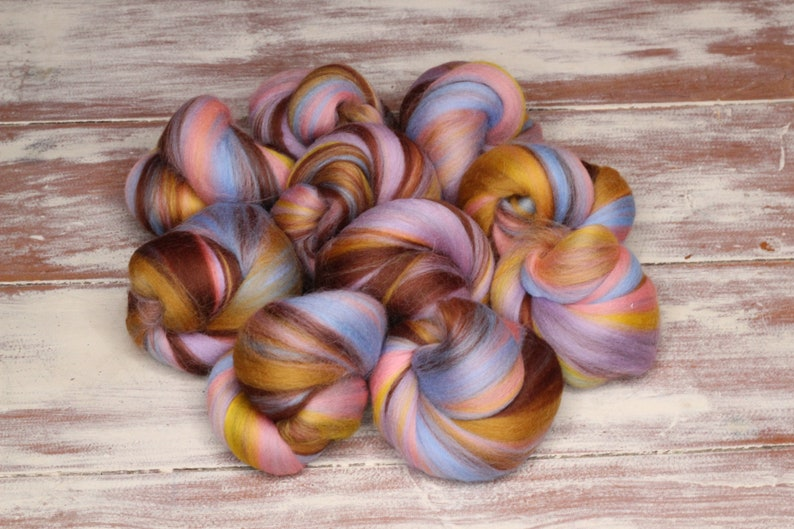 Woolly Buns  'Caramelo'  Merino fibers finely image 0