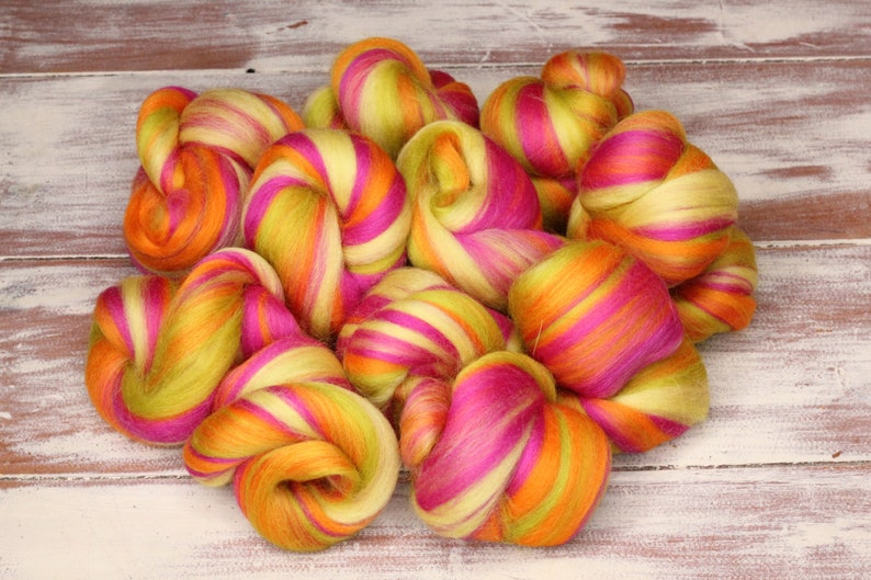 Woolly Buns  'Wannabe Carrot'  Merino fibers finely image 0