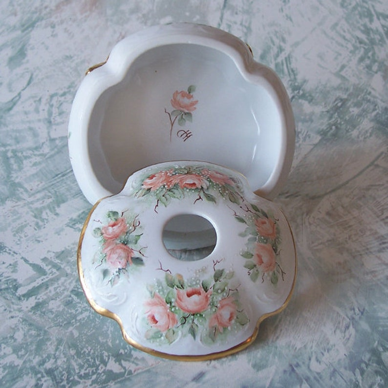 Vintage Art Deco Beautiful Hand Painted Footed Hair Receiver with Rose Design