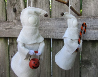 Ghost Ornament - Halloween, Clothespin Ornament, Wool Felt, Halloween Ghost, Party Favor, Halloween Decor, Trick or Treat