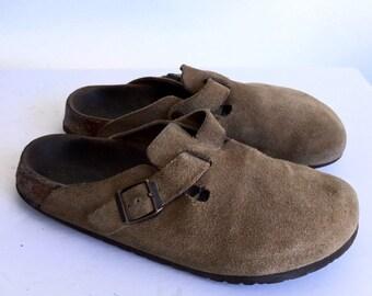 63f1b599ae23 Birkenstock brown clogs suede clogs - closed toe - buckle