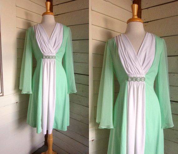 70s polyester dress - green and white - bell sleev