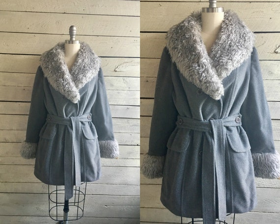 70s Gray coat - short trench - large faux fur coll