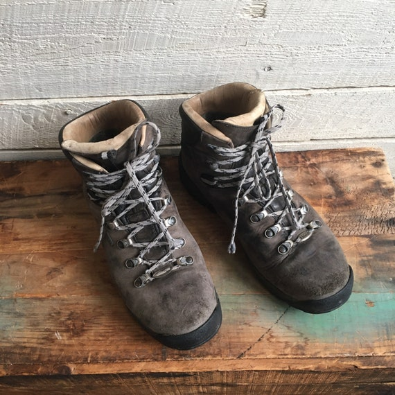 REI gortex leather hiking boots - men's boots -