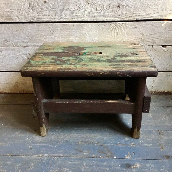 Super Rustic Wood Milking Stool Farmhouse Decor Primitive Plant Stand Distressed Milk Paint Pabps2019 Chair Design Images Pabps2019Com