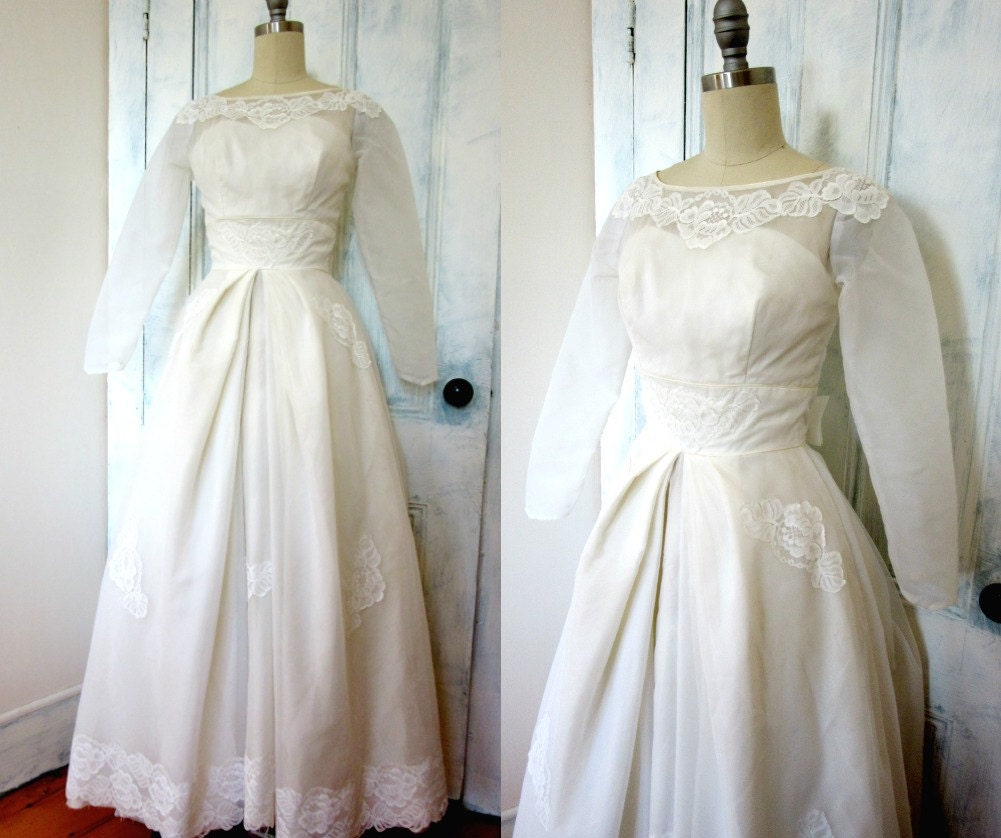 50s Wedding Dress White Wedding Gown Lace XS Crinoline