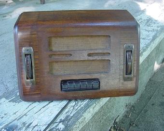 Antique blind face GE Tube radio