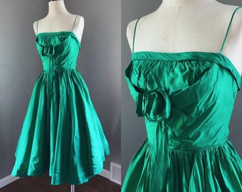fe8f47a0686d8 Vintage 1950s Emerald Green Taffeta Gown - Size xSmall