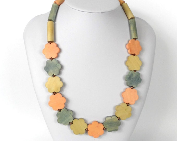 """Chunky Wooden Bead Necklace 20""""      Naturally Dyed       Pink Blue and Grey Flowers"""