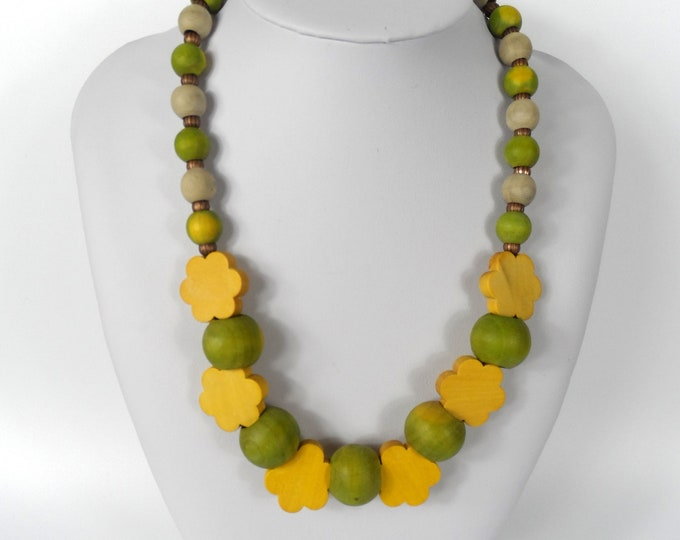 """Chunky Wooden Bead Necklace 20""""       Naturally Dyed       Green and Yellow Flowers"""