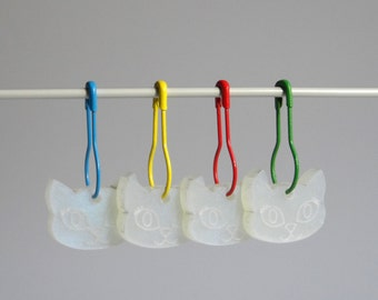Bella Cat Stitch Markers Set of 4 White Iridescent Shimmer on Primary Colour pins