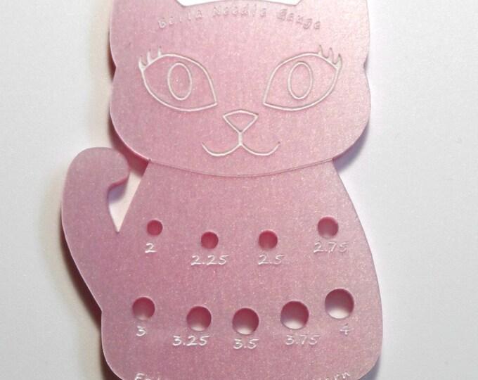 Bella Cat Mini Knitting Needle Gauge Metric  Baby Pink Iridescent Pearl