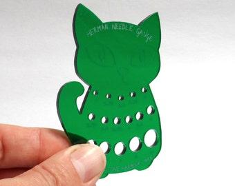 Herman Cat Knitting Needle Gauge Metric  Green Translucent